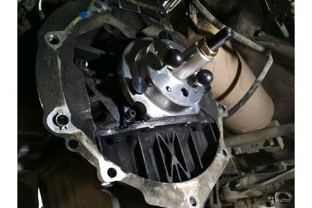 Для установки сальника коленвала VAG T10134