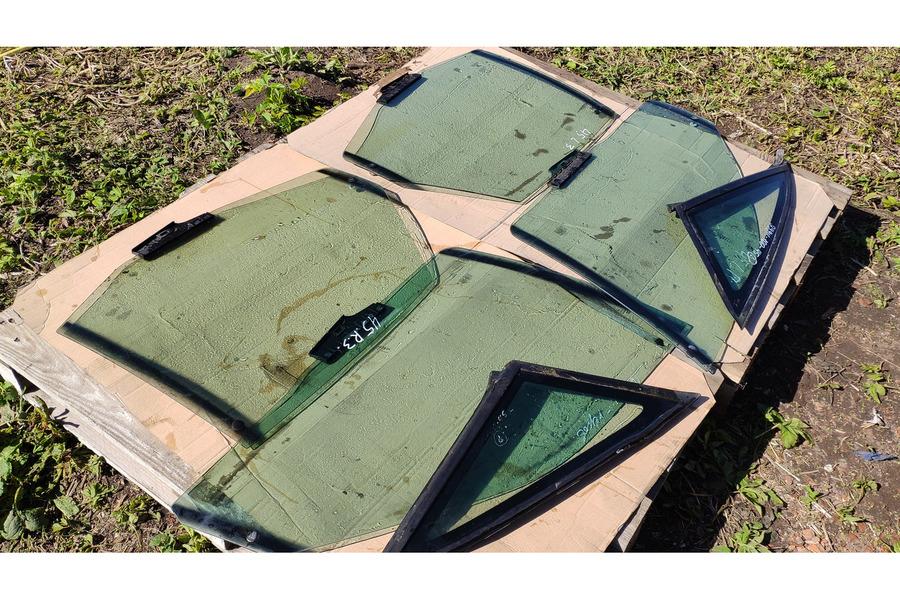 Ауди 100 45 кузов комплект стёкол