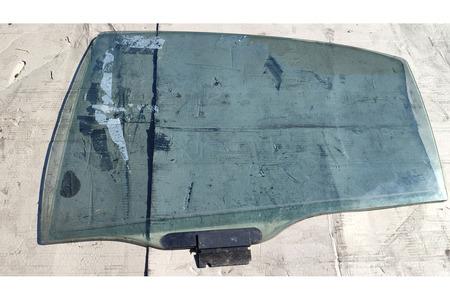 Пежо 607 2003 г стекло задней двери левое