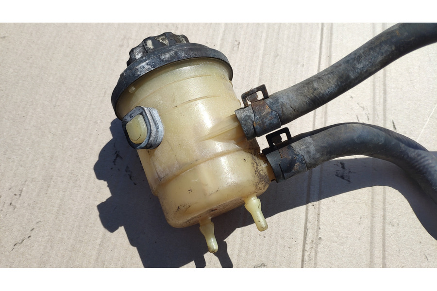 Хёндай Гетц 1.1 бензин бачок ГУРа, гидроусилителя