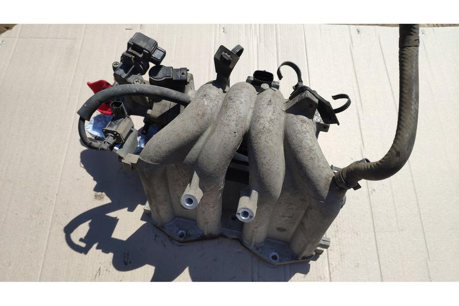 Хёндай Гетц 1.1 бензин впускной коллектор