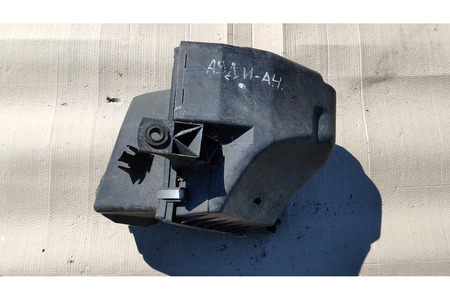 Ауди А4 1995 г. 1.8 корпус воздушного фильтра