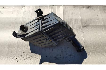 Форд Эскорт 1997 г. 1.8 корпус воздушного фильтра