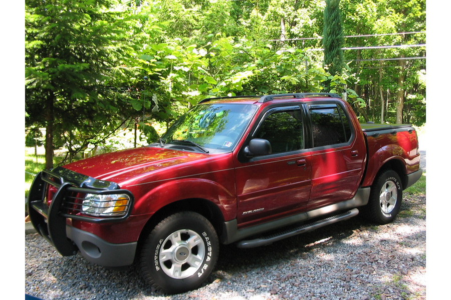Ford Explorer Sport 2002 г.в. бензин 4.0