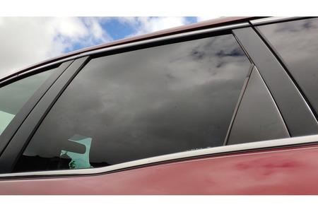 Mazda CX-7 2006-2012 г. стекло двери