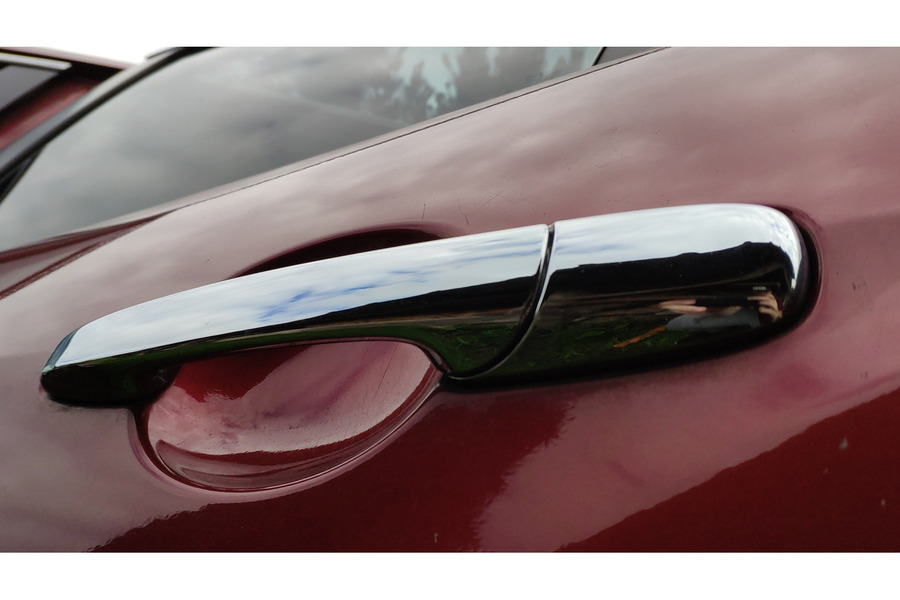 Mazda CX-7 2006-2012 г. ручка двери хром