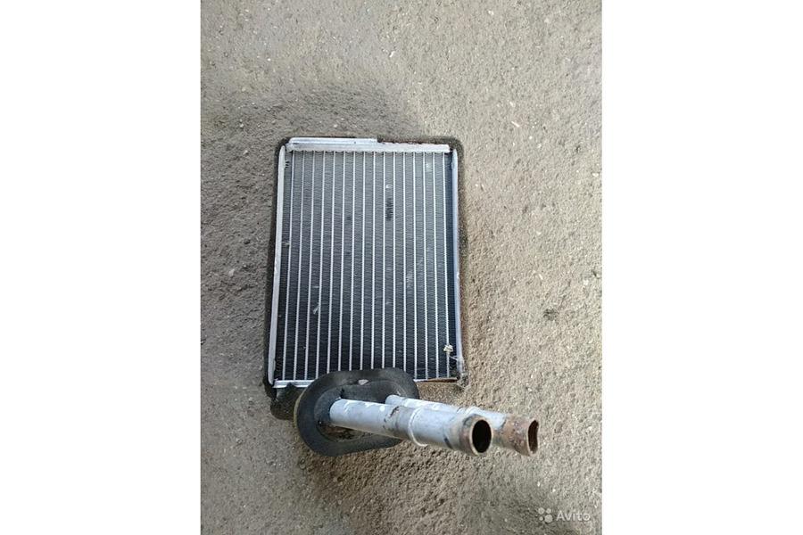 Форд Эксплоуер Спорт 2001г.в.4.0 бензин радиатор п