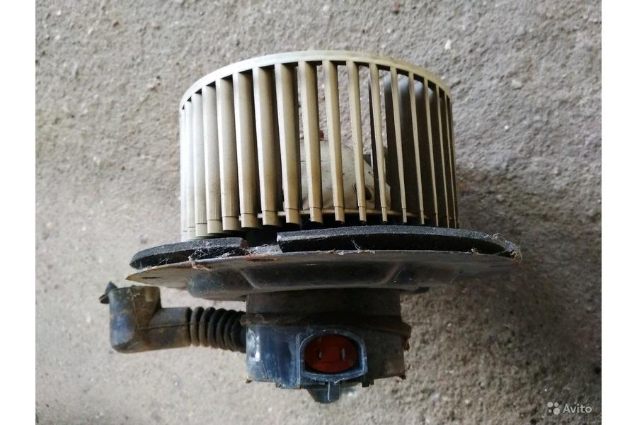 Форд Эксплоуер Спорт 2001г.в.4.0 бензин вентилятор