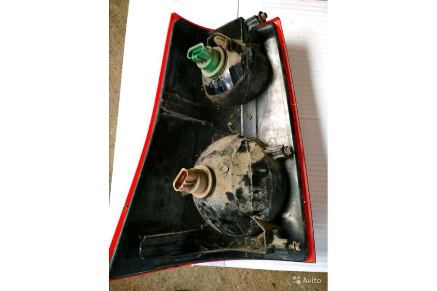 Форд Эксплоуер Спорт 2001 г.в.4.0 бензин фонарь за