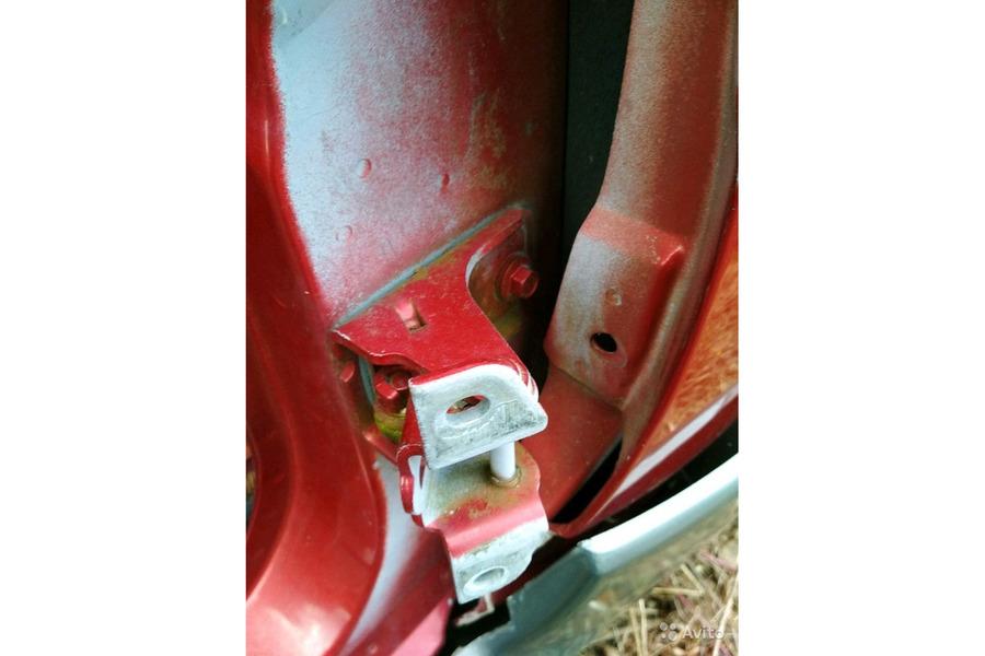 Форд Эксплоуер Спорт 2001 г.в.4.0 бензин петли две